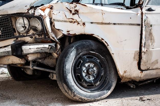 Ремонт сломанной современной машины