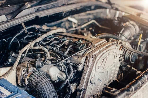 자동차의 내연 기관의 수리 모터의 세부 사항