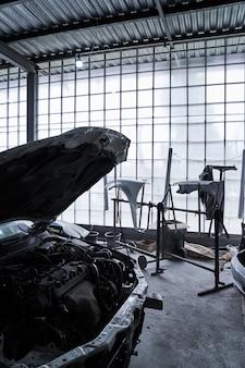 Ремонт старой битой машины в автосервисе