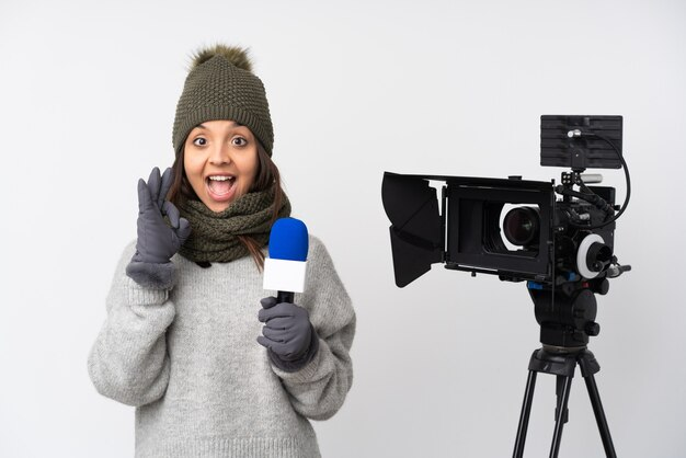 Репортер женщина на изолированном фоне