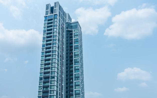 주거용 건물, 아파트 건물 외관, 창문이있는 아파트 단지, 건물 얼굴, 고층 건물, 태국 방콕의 콘도