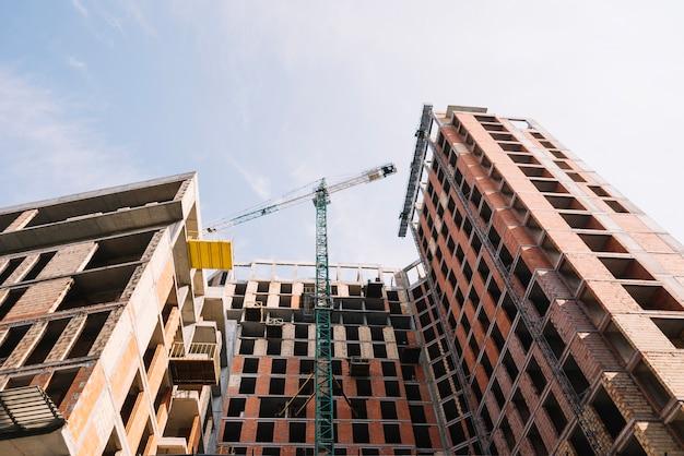 Жилой дом в процессе строительства
