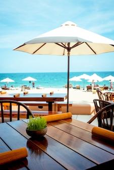Restaurant, club on the beach.