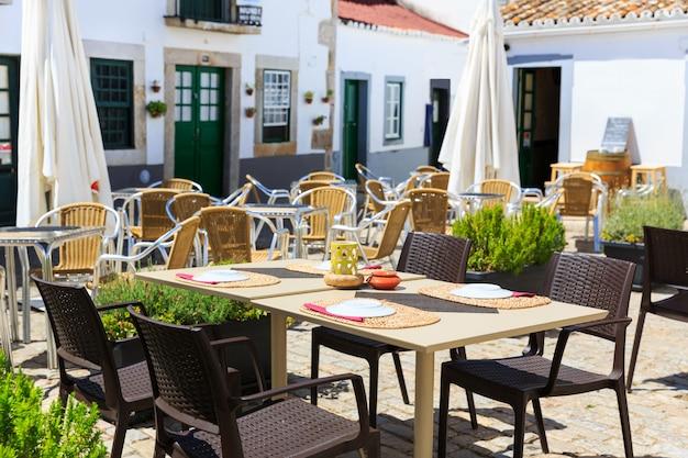 Ресторан на открытом воздухе