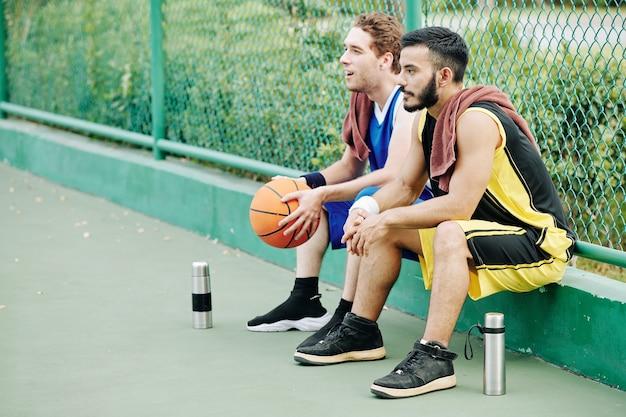 安静時のバスケットボール選手
