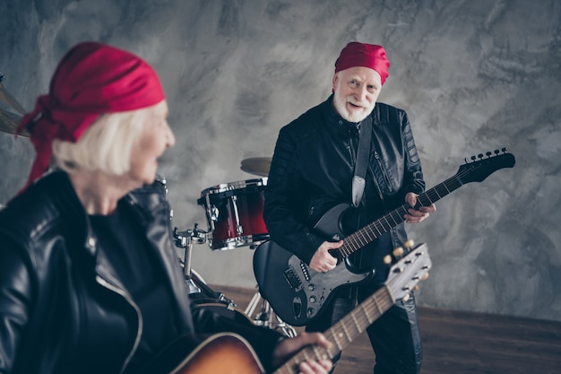 Retired lady man rock band perform concert play repetition