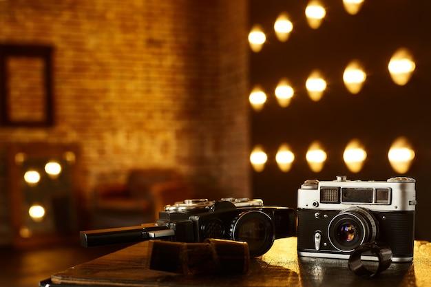 Ретро аналоговая камера старая пленочная камера