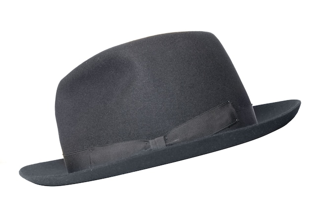 Ретро черная шляпа, изолированные на белом фоне