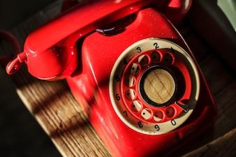 レトロなカラフルな電話の撮影