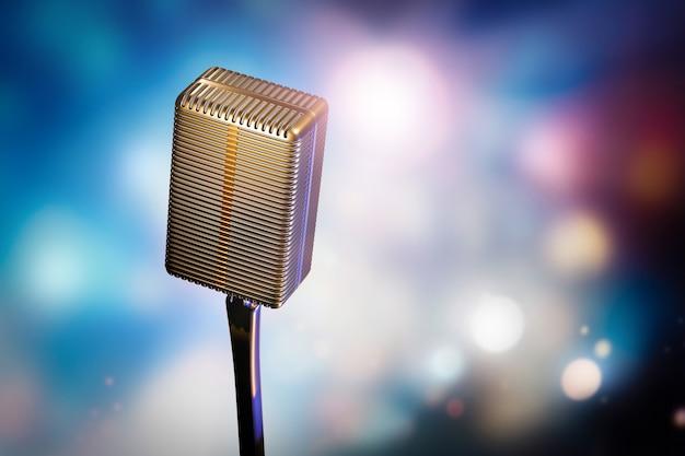 Ретро микрофон на подставке на фоне размытого боке с яркими светлыми пятнами.