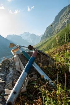 Ретро альпинизм ледорубы
