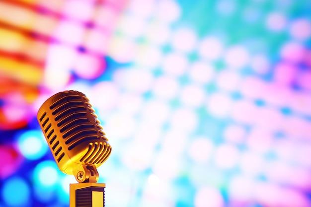 백라이트와 배경에 복고 스타일 마이크입니다. 소리, 음악, 노래방을 위한 빈티지 실버 마이크. 음성 방송 장비. 라이브 팝, 록 음악 공연. 선택적 초점