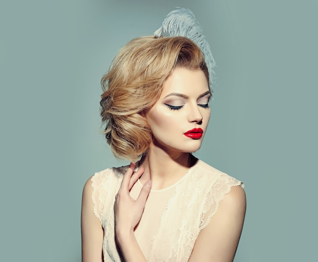 Retro woman, vintage look. pinup makeup and cosmetics.