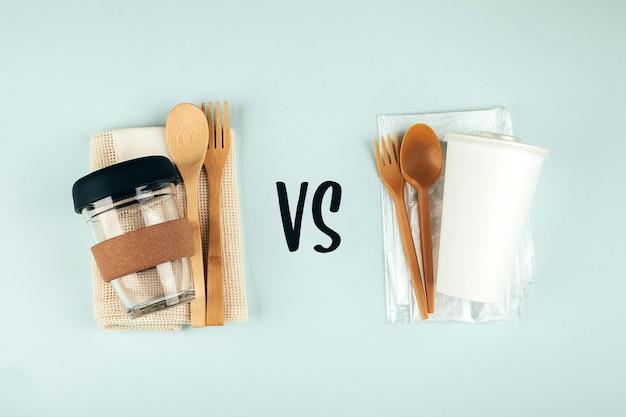 재사용 및 일회용 plactic 접시 세트. 의식적인 선택. 제로 폐기물 개념입니다. 일회용 플라스틱을 줄이는 에코 트렌드.