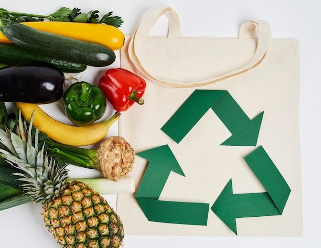 野菜や果物の再利用可能なバッグ