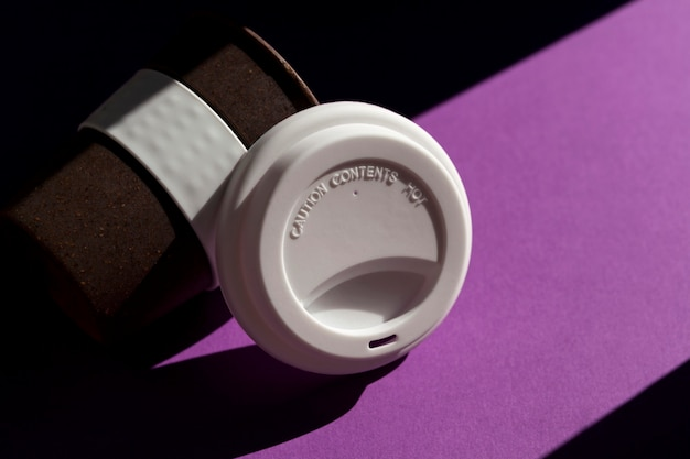 再利用可能なコーヒーまたはティーカップ
