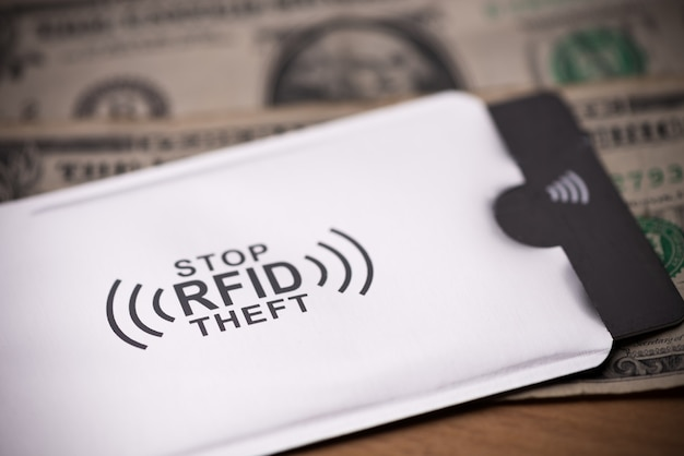 お金の紙幣のハッキング攻撃からクレジットカードを保護するためのrfid保護スリーブ