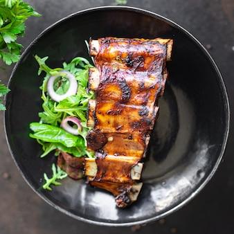 갈비 유약 구운 고기 바베큐 돼지 고기 튀김 쇠고기 또는 양고기 소스 매운 향신료
