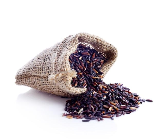 화이트 절연 작은 삼 베 자루에 쌀 베리.