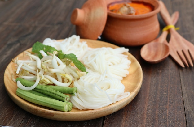 Rice noodles curry with chicken