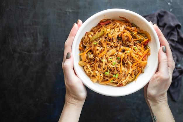 ビーフン野菜醤油スープフォーフォーパッタイタイファンチョース