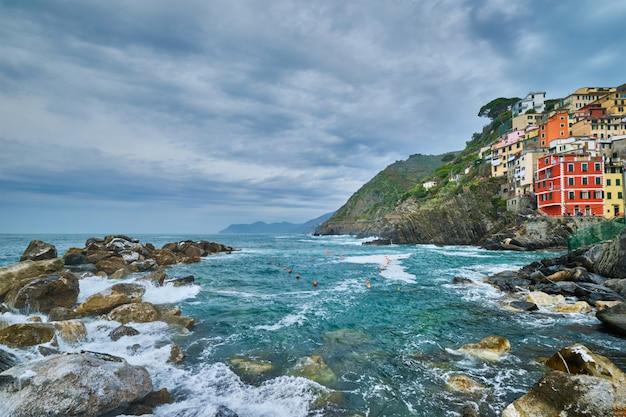 Деревня риомаджоре, чинкве-терре, лигурия, италия