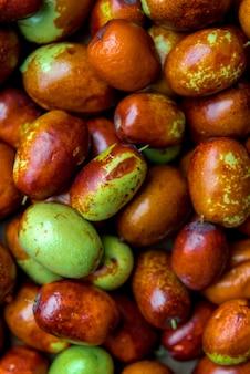 熟した茶色のナツメの中国の日付、クローズアップ。