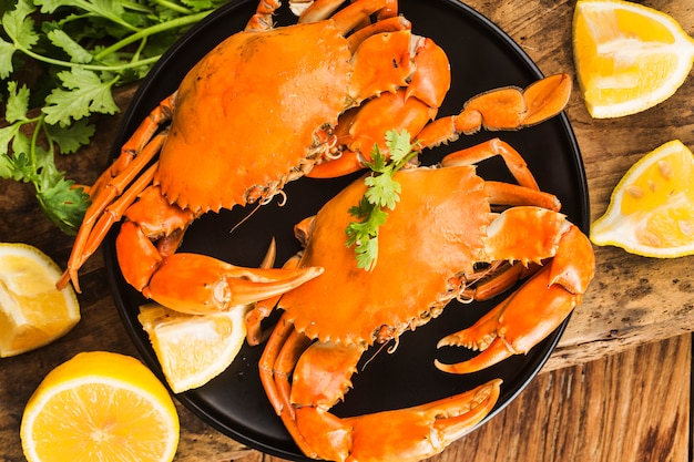 The ripe crabs on the black plate,
