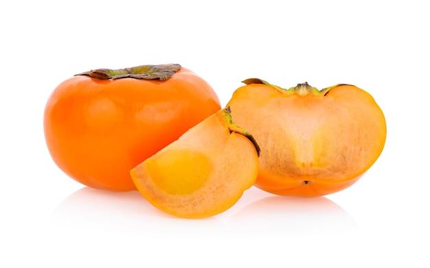 白い背景で隔離の熟した柿
