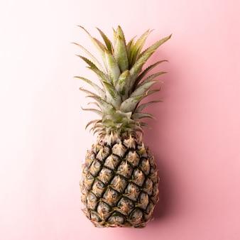 Спелые плоды ананаса