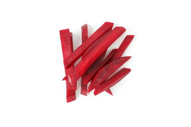 잘 익은 붉은 사탕 무 우 흰색 배경에 고립