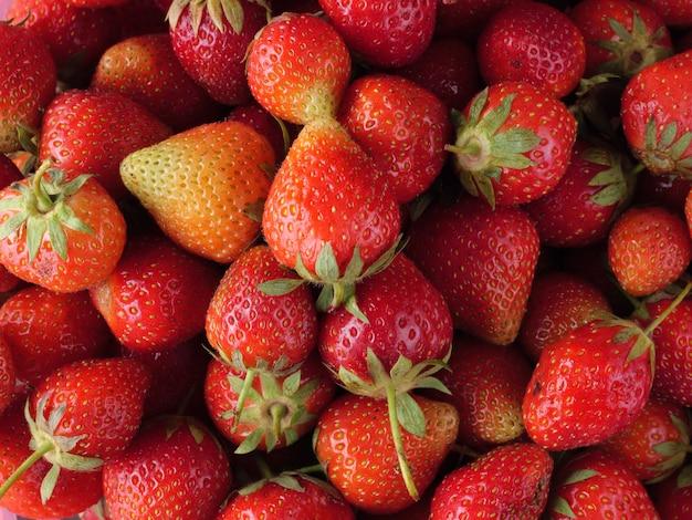 잘 익은 딸기 최고 볼 수 있습니다. 음식 배경.