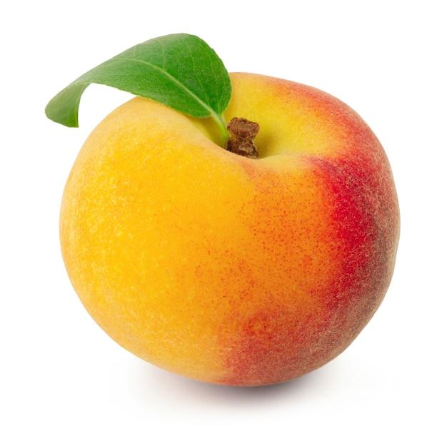 熟した甘い新鮮な桃が分離されました