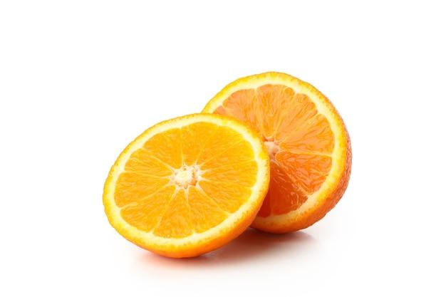 Спелый сладкий мандарин, изолированные на белом фоне