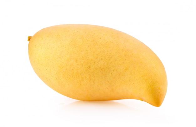 白い背景の上の熟した黄色のマンゴー