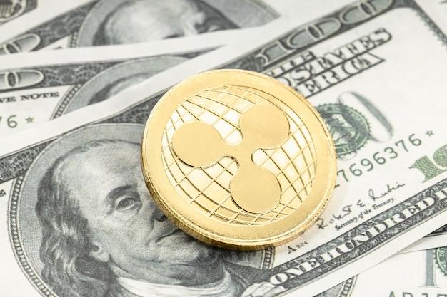 달러 지폐에 리플 동전입니다. 미국 달러 지폐의 xrp 암호화폐
