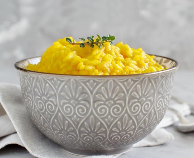 Risotto with curcuma or rice with fresh tumeric