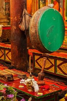 ヘミス修道院の儀式の太鼓。インド、ラダック