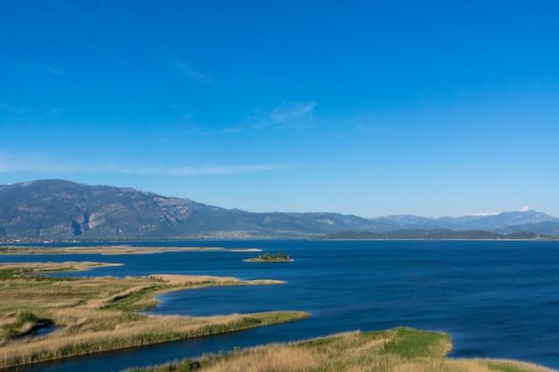 川。風景。国立公園。ダルヤン。ムーラ。七面鳥