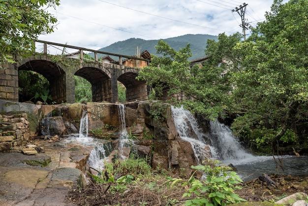 田舎の川と滝