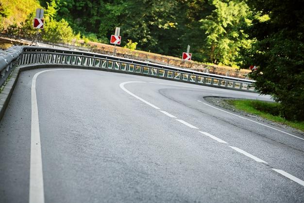 道路曲線。順番。
