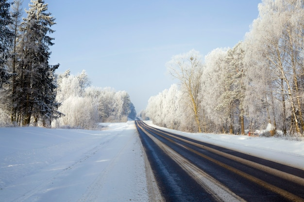 Дорога в зимний сезон