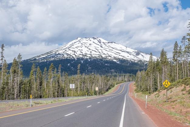 Strada per la montagna