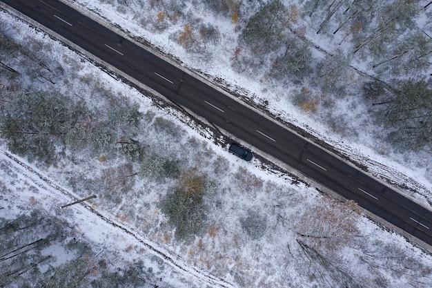 겨울 숲 평면도 무인 항공기 촬영을 통해 도로
