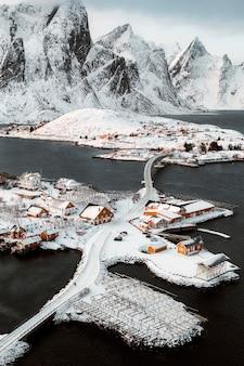 노르웨이 sakrisøy 섬으로 가는 길