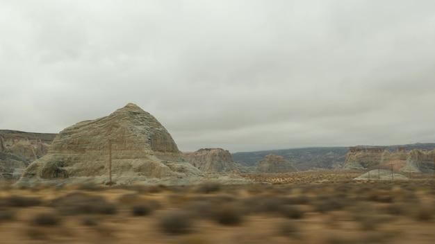 ユタ州から自動車を運転して、米国アリゾナ州グランドキャニオンへのロードトリップ。西部開拓時代のインドの土地。コロラド