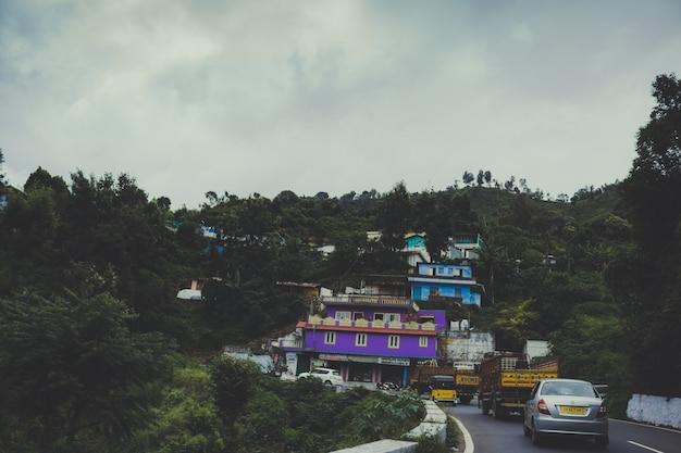 Strada per un villaggio