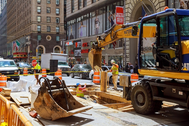 Road works in manhattan, new york city road construction