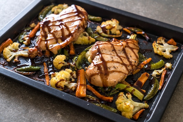 Roast chicken with vegetable