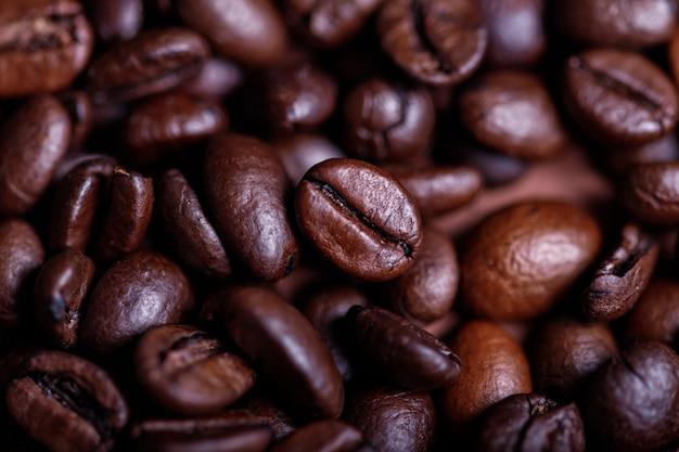 焙煎コーヒーの背景のクローズアップ